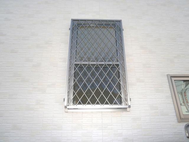 窓の防犯対策 ヒシクロス面格子取付 名古屋市緑区