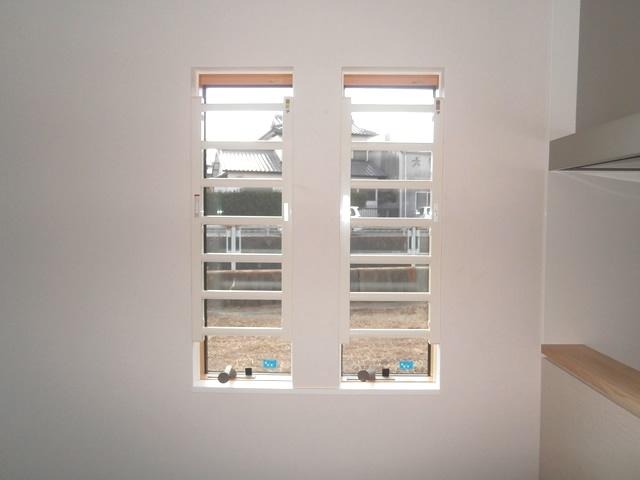 窓の防犯対策 LIXIL室内面格子 事例1 名古屋市緑区