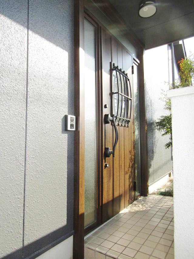 名古屋市港区 LIXIL リシェント玄関ドア カバー工法