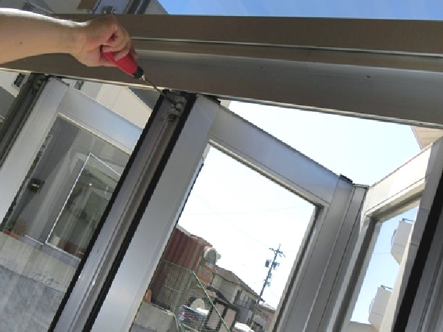 ショールームの折れ戸修理 調整 名古屋市天白区