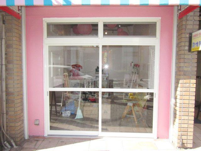 名古屋市中区 店舗フロントの引戸新設工事